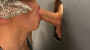 Gloryhole Bj Finish With Pearl Necklace